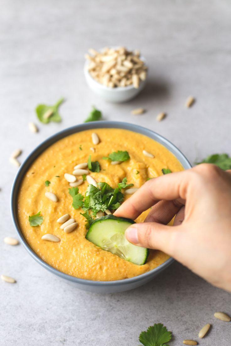 Hummus de alubias blancas y calabaza. ¿Has probado alguna vez a hacer hummus con alubias? Es menos consistente pero está muy rico y cremoso.