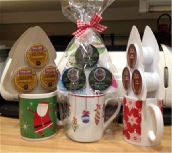 K-Cup Tree Mug:  I knew there was a way to incorporate the single cup drinks... hot choc, tea and coffees!  Just wait until the next craft fair!!