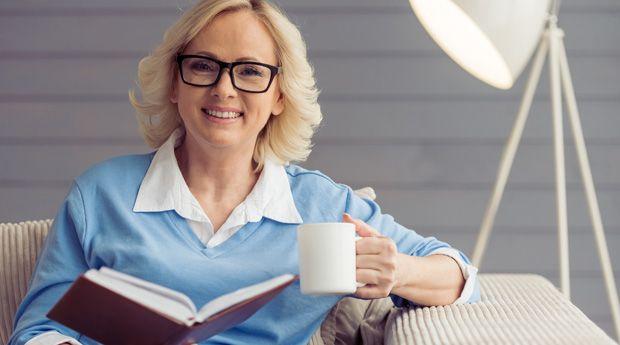 У любительниц кофе реже развивается деменция - Американские ученые опубликовали результаты очередного исследования, подтверждающие пользу кофе. Они выяснили, что у женщин, пьющих 2-3 чашки кофе в день, риск развития деменции снижается более, чем на треть.  Ученые