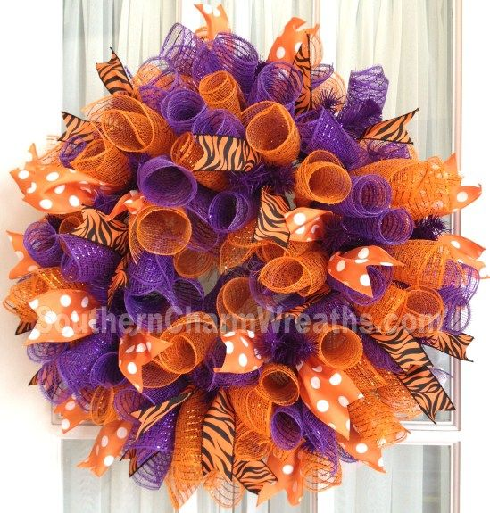 Clemson Tigers Deco Mesh Dorm Wreath tailgating decor Orange Purple #decomesh Learn to make this wreath FREE http://www.slideshare.net/jsiomacco/10-steps-to-making-a-curly-mesh-wreath