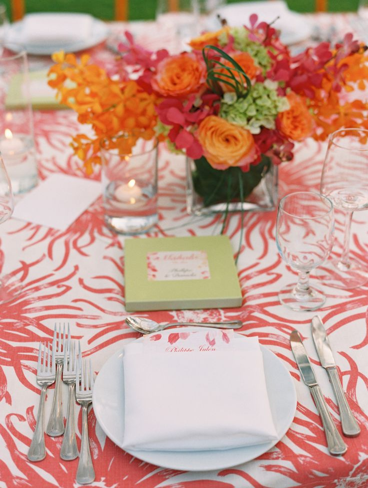 Maui wedding table  #place-settings, #tablecloth  Photography: Wendy Laurel - wendylaurel.com  Read More: http://www.stylemepretty.com/destination-weddings/hawaii-weddings/2014/07/22/coral-beach-house-wedding-in-maui/
