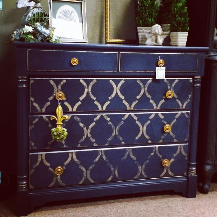 Beautiful navy color created by using Chalk Paint® in Napeolonic & Graphite. Artisan Enhancements Leaf & Foil Size with gold foil. By Carter's Cottage
