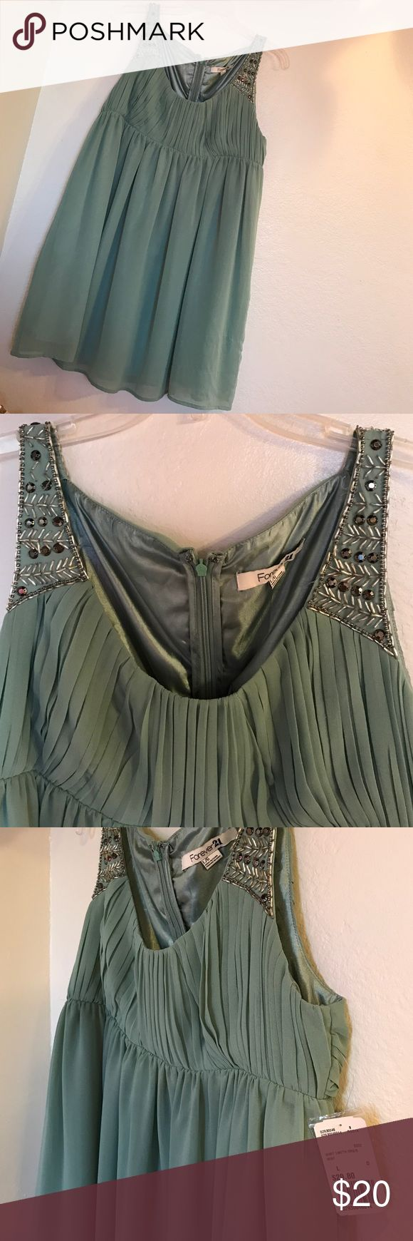 Hunter Green Tank Dress Band new with tag. Great for holiday parties, weddings and beyond. 🎉 Forever 21 Dresses Wedding