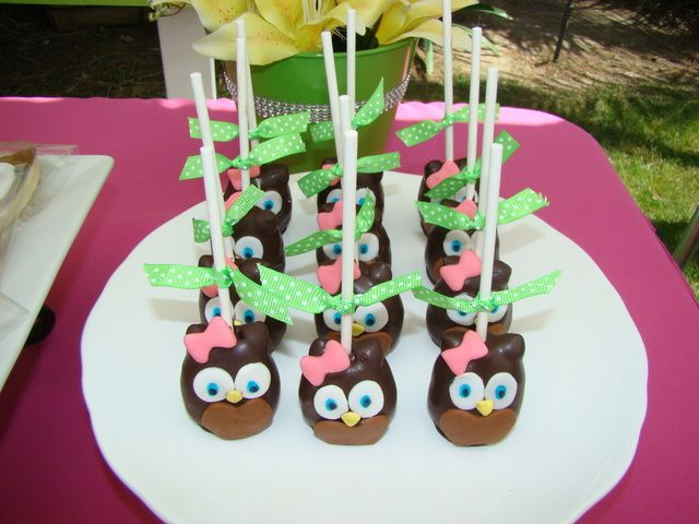 Adorable cake pops at an Owl Party #owl #cakepops