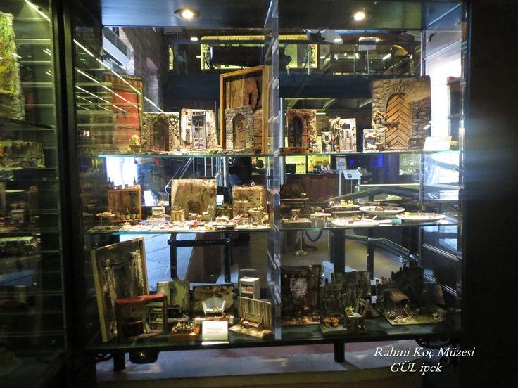 #diorama #museum #sergi #rahmi_m_koc_muzesi #istanbul #hasdal #miniature #mini#minimal #miniaturefood #dollhasusefood #dollhause #otomocil #ford #auto #oldmobile #handmade #tamirhane #cargarage #garage #dioramagarage #autorepair #art #artist #turkey #painting #paperart #paper #kağıt #model #modelinclay #clayart #talents #doors #olddoors #kap