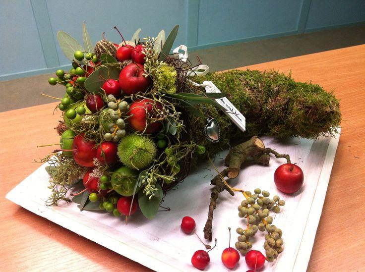Hoorn van overvloed met appels, workshop herfstdecoraties Www.ineke.info
