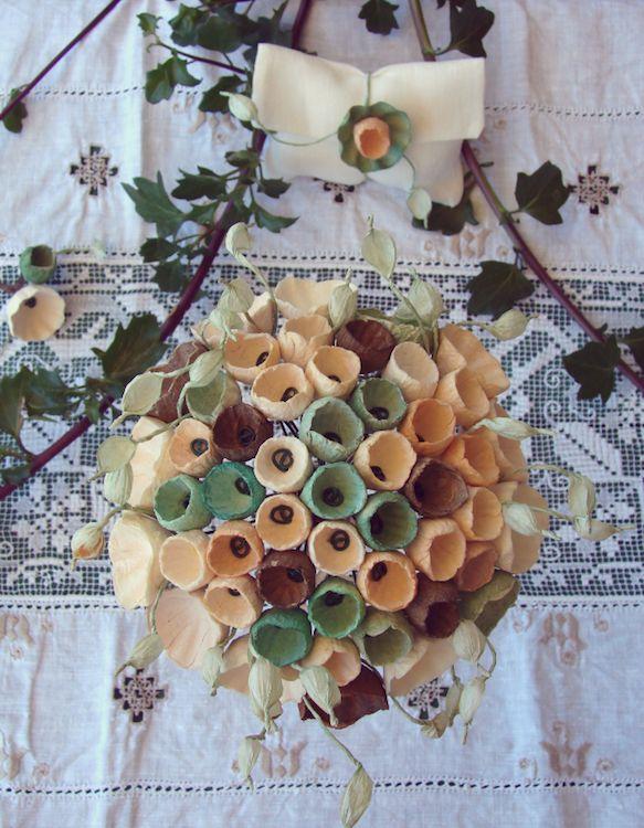 matrimonio green in stile botanico, bouquet, boutonniere, segnaposto con fiori di carta .Green wedding botanical style by Eco wedding design Roma