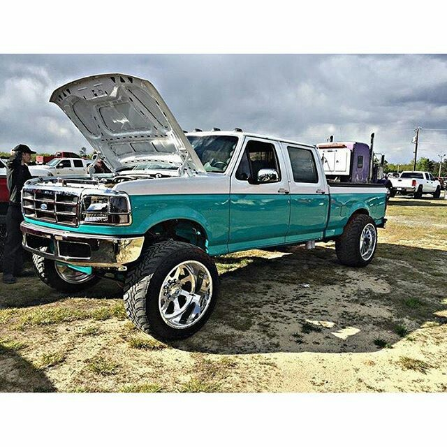 Suoer clean OBS Ford Crewcab 4x4