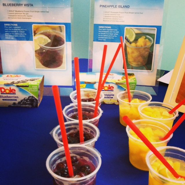 Dole Frozen Fruit Cups - not just for kids! Blueberry Vista and Pineapple Island #cocktails #summer