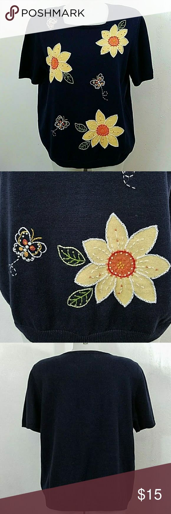 """🐧 Sunflower and Butterfly Sweater Alfred Dunner Sunflower and Butterfly Sweater by Alfred Dunner. In great condition. Size large. Bust 42"""" Length 26"""" Alfred Dunner Sweaters"""