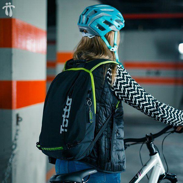 SS161 - BRAKE Bike backpack with removable flash light
