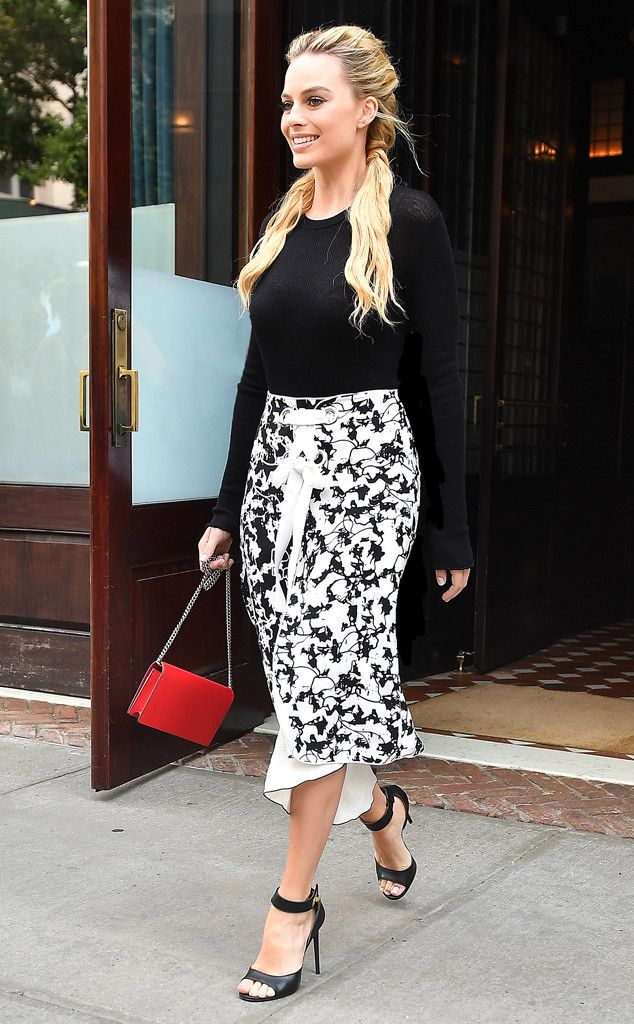 Margot Robbie from The Big Picture: Today's Hot Pics  Print perfect! The actress is seen leaving a restaurant in New York City.