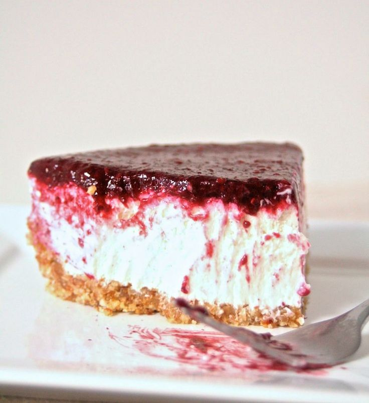 No Bakes Greek Yogurt & Berry Cheesecake