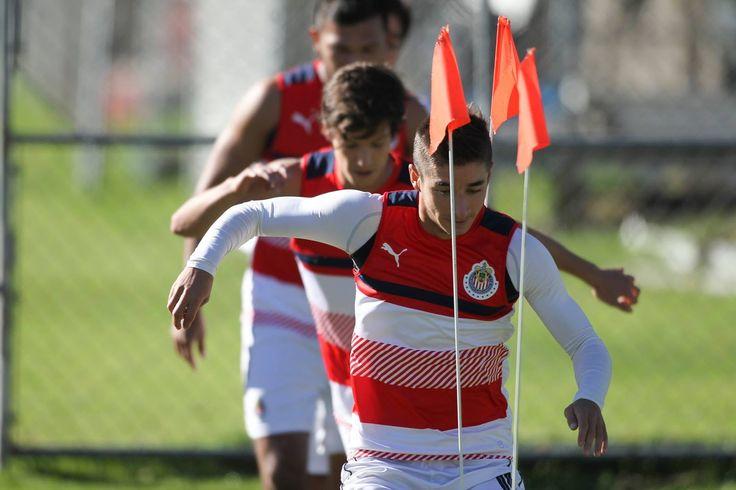 QUEREMOS SUMAR DE TRES DESDE AHORA: BRIZUELA El jugador de Chivas asegura que el nivel del equipo es alto de cara al inicio del torneo. Brizuela sabe que Pumas llegarán motivados por romper su racha negativa visitando a Chivas.