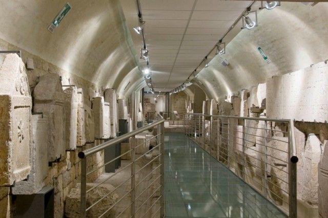 Assisi e Santa Maria degli Angeli Visita di  Santa Maria degli Angeli, visita della Basilica – Porziuncula, della Rocca Maggiore, Foro Romano e Pinacoteca.