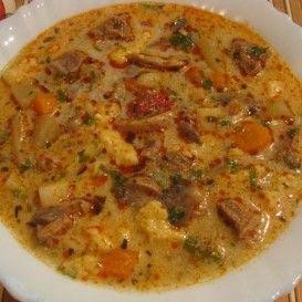Tárkonyos gombás sertésragu leves