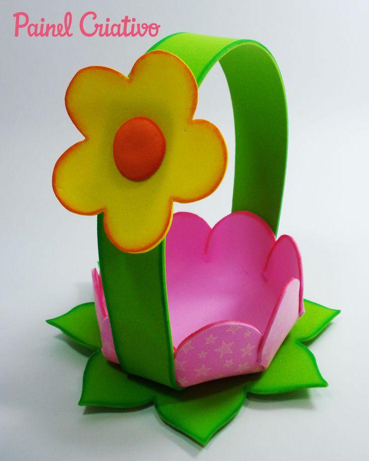 Passo a passo cestinha formato flor com EVA lembrancinha enfeite mesa festa aniversario infantil