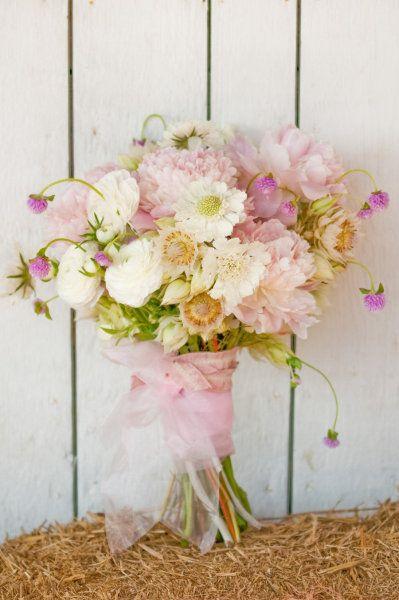 pretty light bouquet