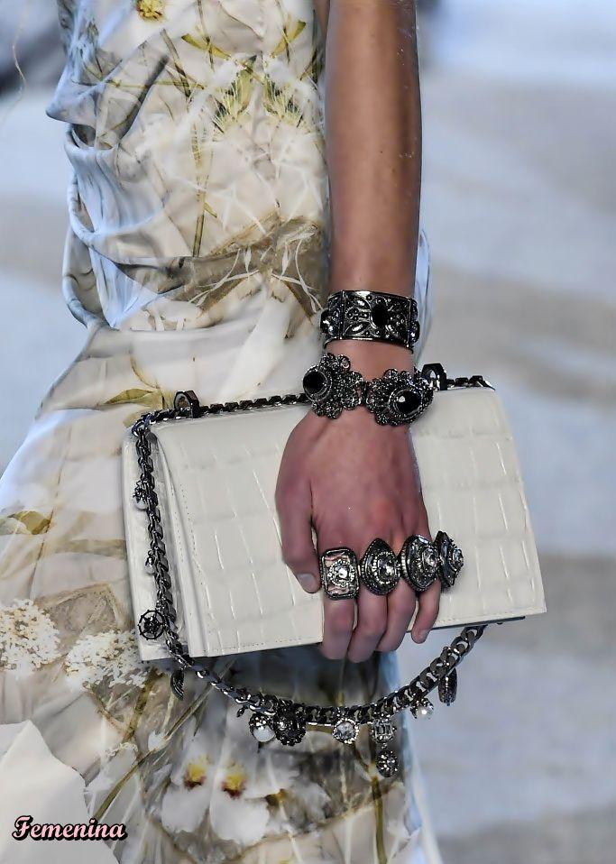 Pin de Deolinda Xavier Bibita em moda | Moda, Estilo, Tendencias