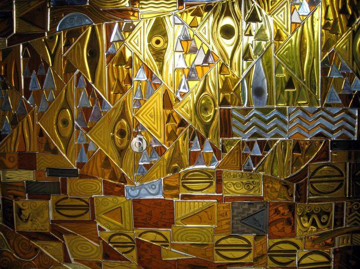 ВИТРАЖНОЕ ПАННО Техника исполнения:витражное панно изготовлено по технологии фьюзинг из витражного стекла SPECTRUM с инсталляцией на закаленное стекло методом УФ склейки. Витраж выполнен по мотивам живописных полотен Густава Климта. #artglass #артгласс #витражи #витражиспб #студияжогина #витраживинтерьере #фьюзинг