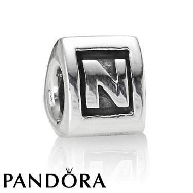 Pandora N Charm 80055 hunting for limited offer,no taxes and free shipping.#jewelry #jewelrygram #jewelrydesign #jewelrymaking #rings #bracelet #bangle #pandora #pandorabracelet #pandoraring #pandorajewelry