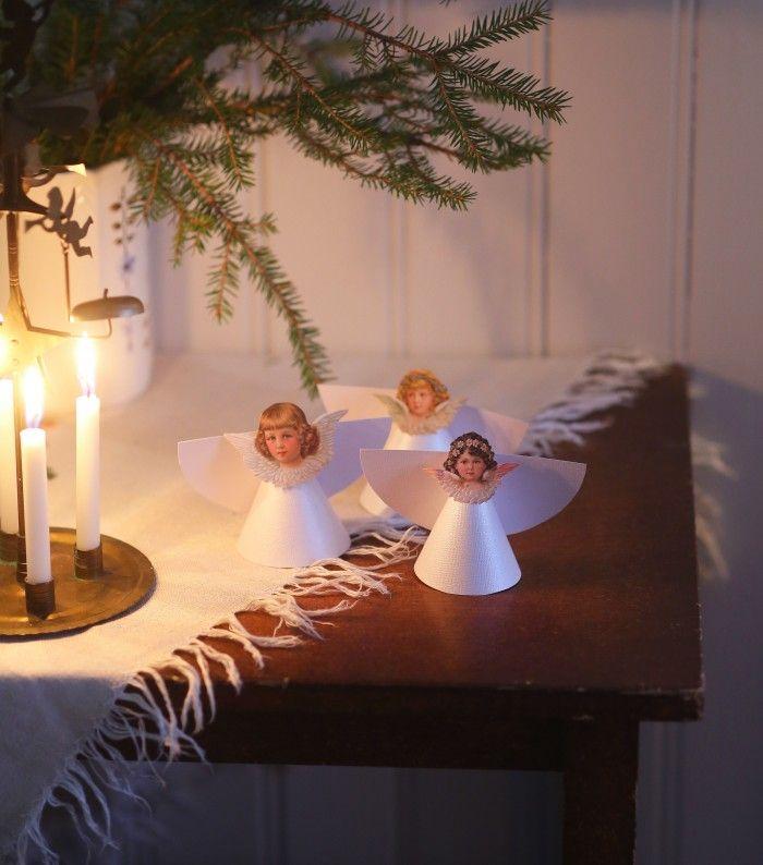 Den stora julgranen tar vi förstås inte in förrän någon vecka innan jul. Däremot brukar vi ta in små adventsgranar till första advent. Tycker att rumsgranar är så söta. Är därför väldigt nöjd med...