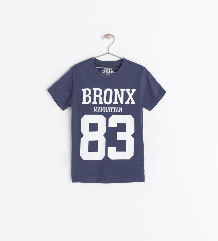 T-shirt avec texte bleuté  zara garçon