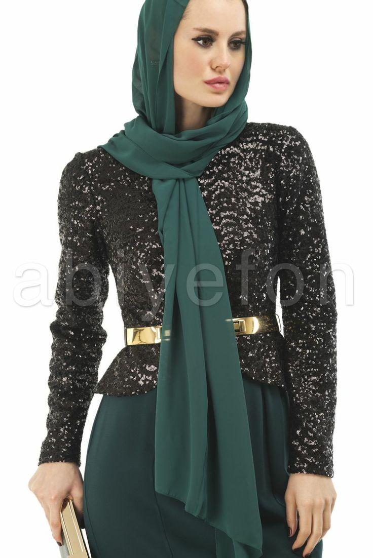 En özel günlerde giyebileceğiniz bu tesettür abiye modelleri ile şıklığın doruklarına çıkın.