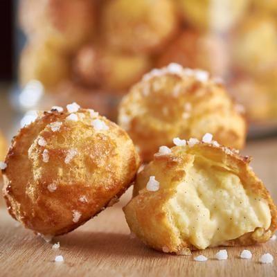 Chouquettes, crème fondante à la vanille par Philippe Conticini