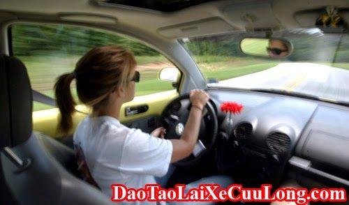 Trường Đào Tạo Lái Xe Ô Tô Cửu Long: Kỹ Thuật Lái Xe Ô Tô Khi Mất Phanh