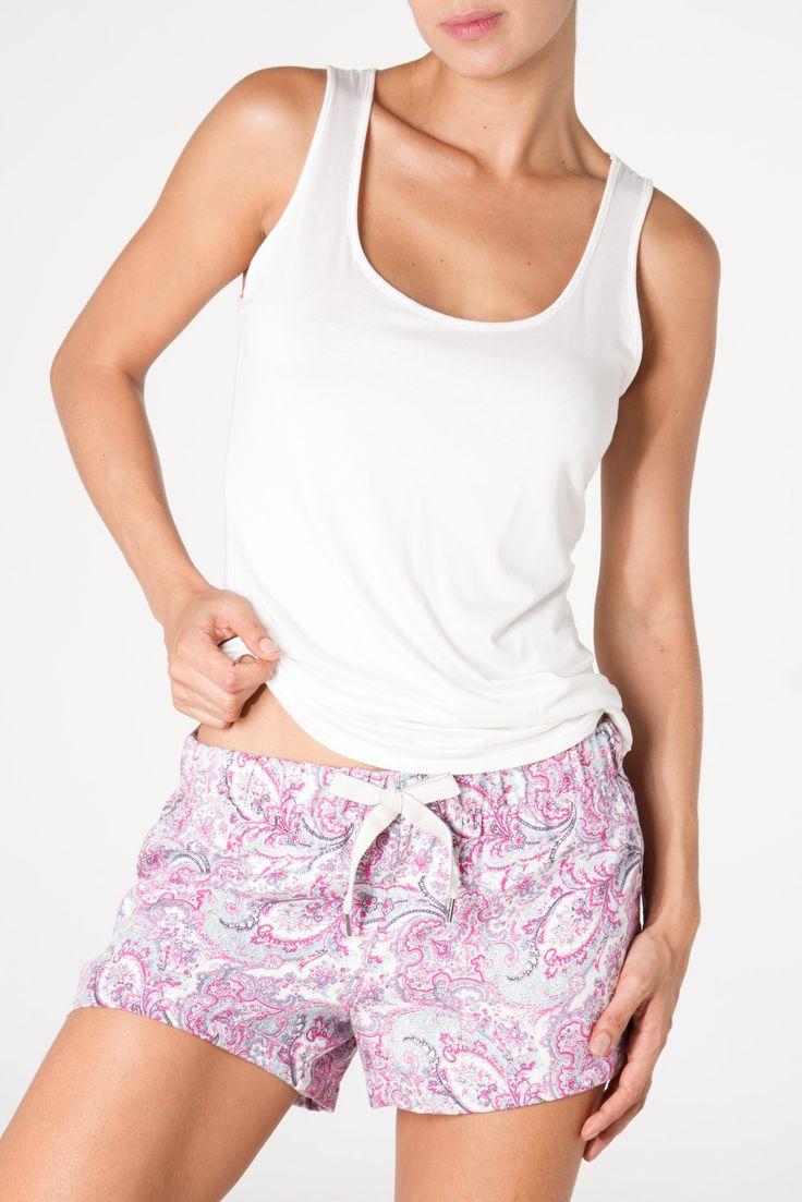 basic top, arabesque short