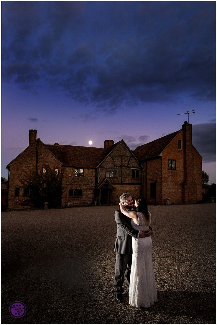 Lillibrooke Manor Wedding Photography   Lesley and Jefferson's great day out at this lovely barn wedding venue.