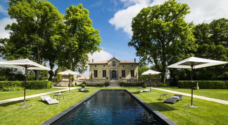 €80 Le Clos Marcamps - Châteaux et Hôtels Collection vous accueille au cœur d'un parc arboré dans une demeure du XIXe siècle, à 30 minutes en voiture de...