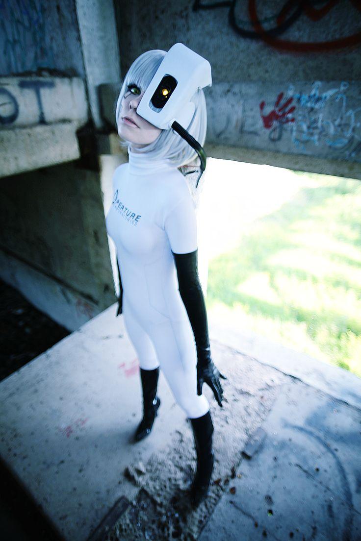 GLaDOS cosplay Portal by Tenori-Tiger.deviantart.com