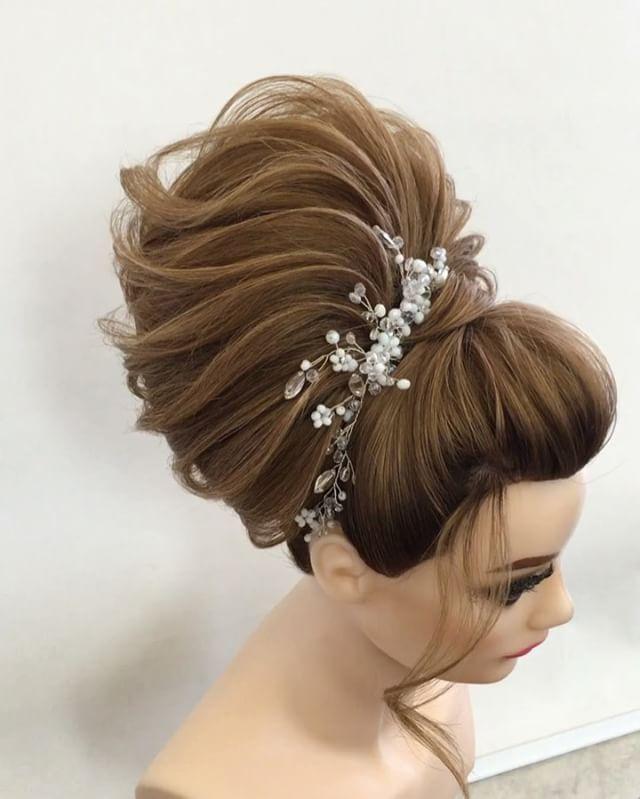 😉Сегодня третий день второй ступени , свадебные причёски ! Чешем ,чешем…