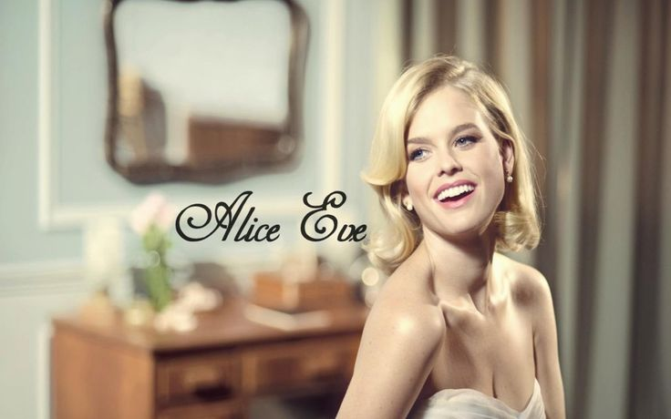 Alice Eve a lovely woman dressed as she is.
