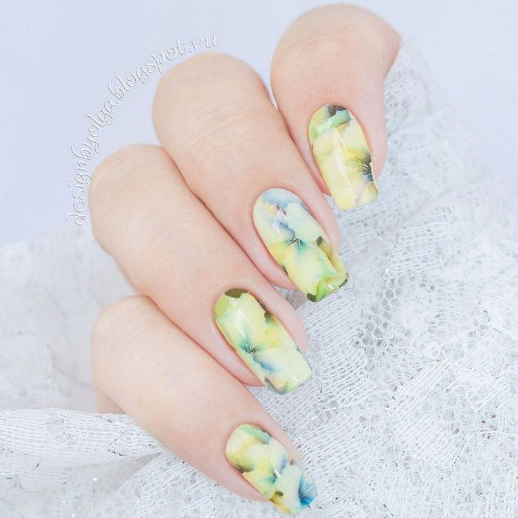 #маникюр #nailart #гельлак #слайдер #чернаяпантера #bpw #красивыйманикюр #ногти #nail #nails #красивыеногти #лето #цветы #лилия #нежно  Маникюр с лилиями с @slider_bpwomen. http://ift.tt/2aaEEvG