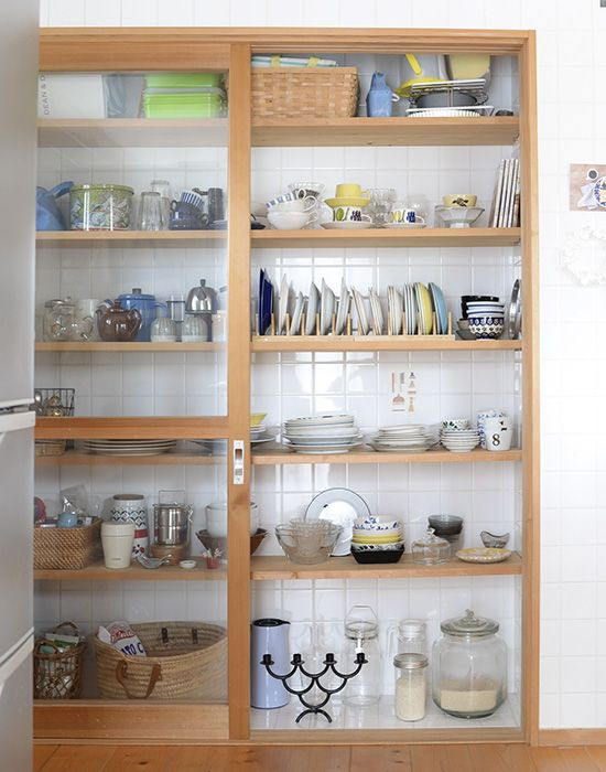 ご機嫌でいるために、飾ってたのしむ食器棚。 - 北欧、暮らしの道具店