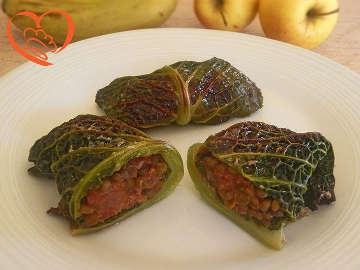 Involtini di verza ripieni di cotechino e lenticchie http://www.cuocaperpassione.it/ricetta/0d271f4c-9f72-6375-b10c-ff0000780917/Involtini_di_verza_ripieni_di_cotechino_e_lenticchie