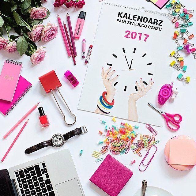 Zaczęła się przedsprzedaż kalendarza PSC!!! W przedsprzedaży kalendarz jest tańszy a dodatkowo dostajesz do niego komplet pięknych tapet na komputer.  #kalendarzpsc #psc #paniswojegoczasu #kalendarz #calendar #calendars #kalendarz2017 #planowanie #organizacja #zarzadzanieczasem #czas #time #timemanagement #planning #plannergirl #plannergirls #planneraddict #womeninbiz #homeoffice #workfromhome #entrepreneurlife #mompreneur #mompreneurlife