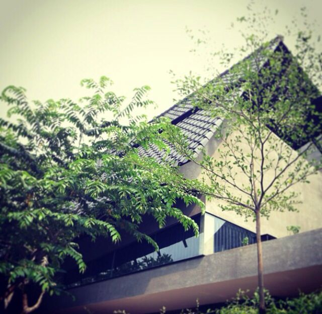 AT house, puri indah jakarta architect: andramatin