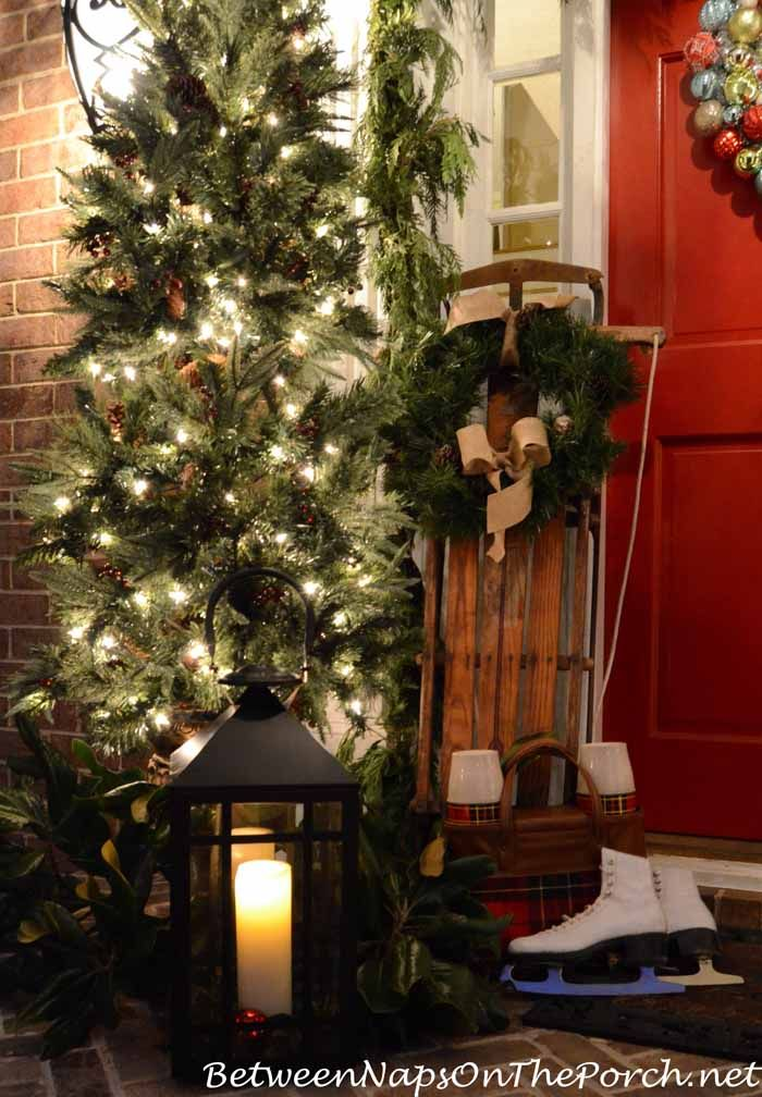 Decorating the porch for christmas decorating ideas the for Patios decorated for christmas