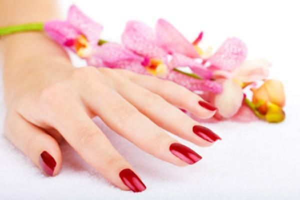 Taking off your UV gel manicure yourself