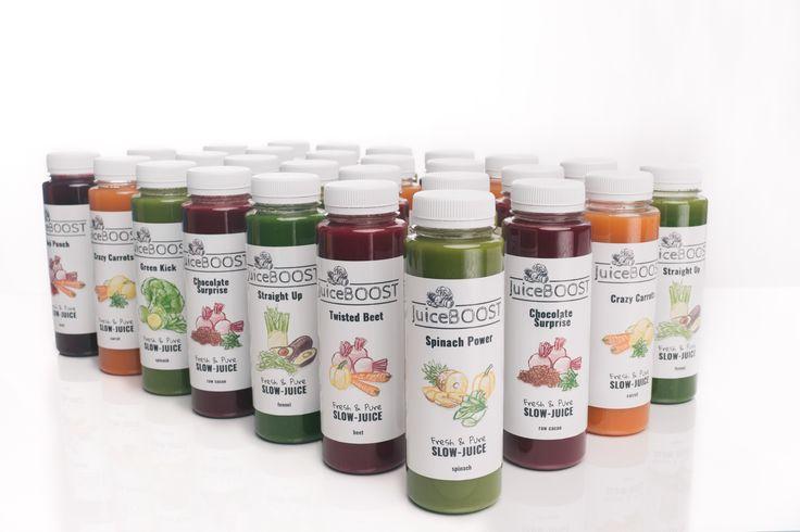 Dit is een goed pakket om elke dag aan je dagelijkse behoefte te voldoen. Totaal 7 liter! met lichte en rijke sappen. Je kan met dit pakket ook een sapkuur van 7 dagen doen. De lichte sappen zijn goed voor de ontgifting en de rijke sappen zijn voedzaam en bevatten goede vetten die er voor zorgen dat vitaminen en mineralen makkelijk worden opgenomen. 28 dagen lang elke dag je voeding aanvullen met de hoge voedingswaarden van onze sappen!