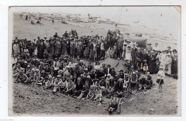 NORFOLK, HUNSTANTON, BEACH, LARGE GROUP, RP | eBay