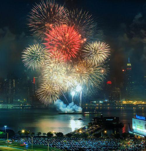 40 best Fireworks images on Pinterest Fireworks, Bonfires and