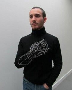 Clément Calaciura, designer plasticien diplômé de l'école Camondo - Les Arts Décoratifs, travaille entre Paris et Bordeaux. Il intervient dans des champs variés comme l'architecture intérieure, le design, la sculpture et la scénographie.