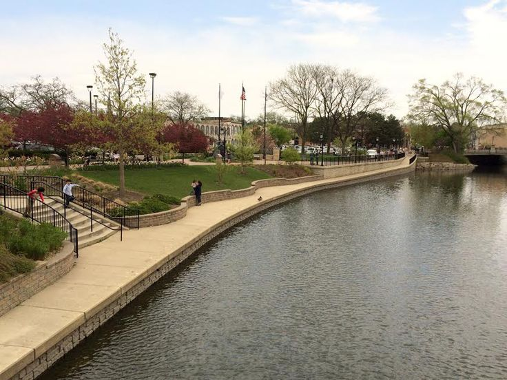 5 Reasons to love the Naperville Riverwalk