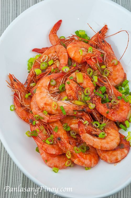 Chili Garlic Shrimp Stir Fry is a quick and easy shrimp recipe that you can make at home. This dish can be compared to the chili shrimp that they serve in Dampa -- the only difference is that you are the one who prepared it.