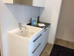 Oltre 25 fantastiche idee su lavanderia in bagno su pinterest lavanderia bagno combo armadio - La roccia arredo bagno ...